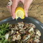 15 Minute Gourmet – Garlic chilli clams