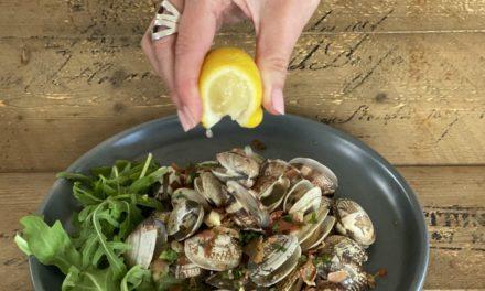 15 Minute Gourmet – Garlic chilli clams